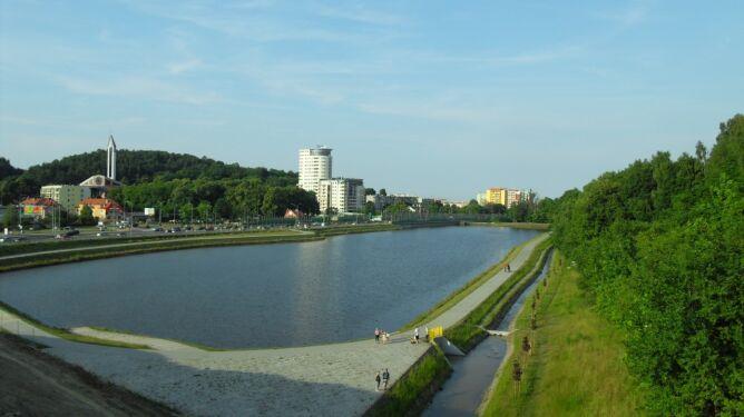 Obniżone zostanie zwierciadło wody zbiornika Srebrniki. Fot. Artur Andrzej /Wikipedia (CC BY-SA 3.0)
